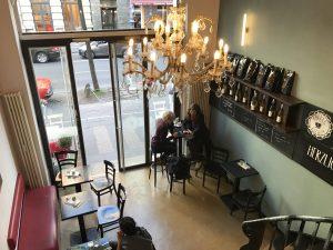 Gemütliches Café auf der Venloer Straße