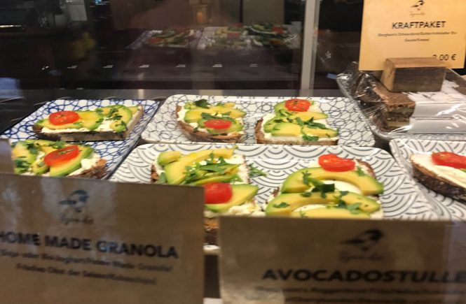 Leckere Avocadostullen im Café Spatz
