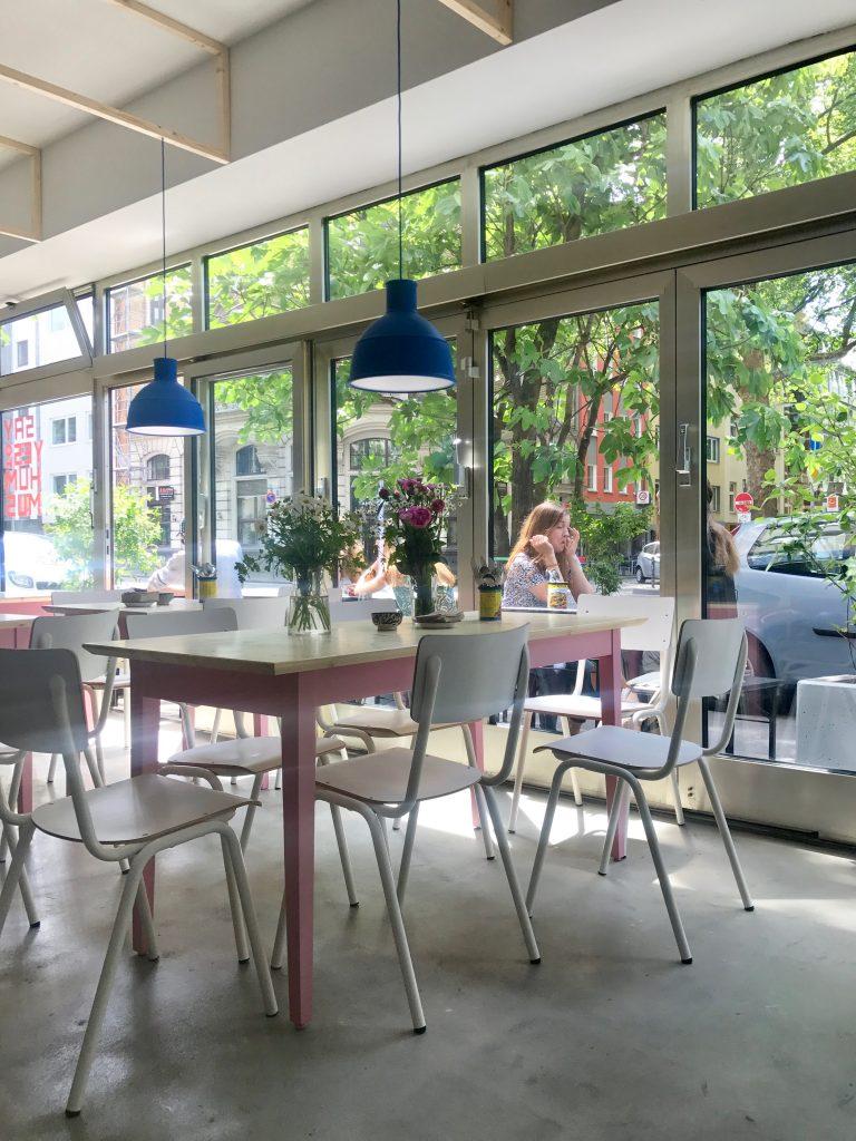 mashery hummus kitchen say yes to hummus im kwartier lat ng. Black Bedroom Furniture Sets. Home Design Ideas